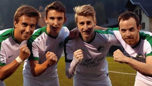 1. Klasse Nord-Klub Scheffau (Maxi Hofer, Alex Hofer, Schieferer, Seiwald von links) blieb auch im abschließenden Heimspiel 2018 unbesiegt.