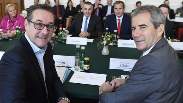 Strache und Löger als Mitglieder der Bundesregierung im Jahr 2018 (Bild: APA/ROBERT JAEGER)