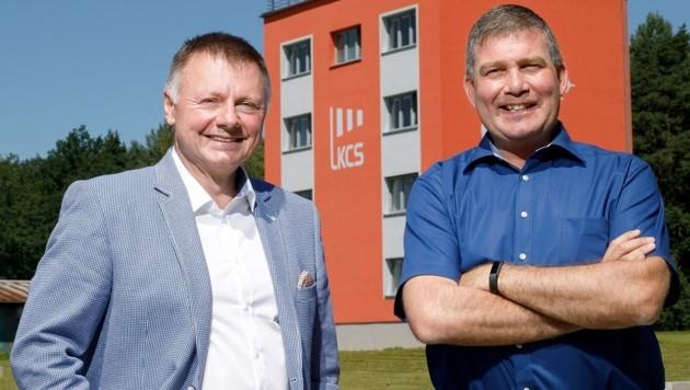 Flughafendirektor Ladislav Ondrich (links) und Marketing-Manager Dieter Pammer (Bild: Flughafen Budweis)