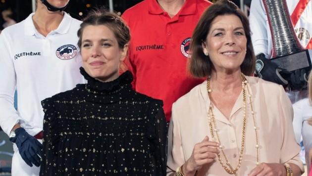 Charlotte Casiraghi und Prinzessin Caroline von Hannover bei der Preisverleihung der Federation Equestre de la Principaute de Monaco im Rahmen des Longines ProAm Cup (Bild: VILLARD / Action Press/Sipa / picturedesk.com)