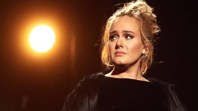 Sängerin Adele während der Grammy-Awards 2017 (Bild: 2017 Getty Images)