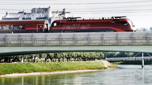 Railjet bei Salzburg (Bild: ÖBB/Philipp Horak)