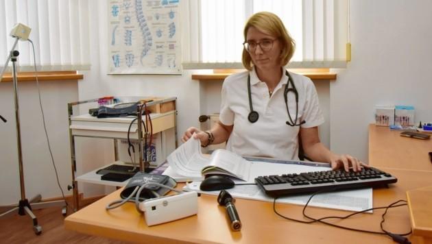 """Dr. Stephanie Poggenburg ist """"leidenschaftliche Hausärztin"""" in Hart bei Graz (Bild: Ricardo Heintz)"""