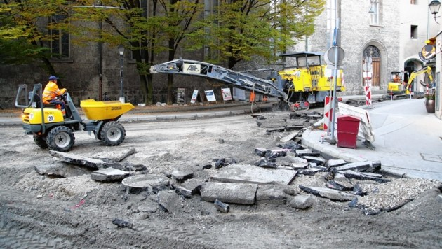 Um Straßenbaustellen vorzuziehen, fällt diesen Sommer das saisonale Verbot (Bild: ANDREAS TROESTER)