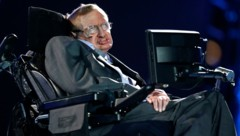 Der Erlös für Hawkings Rollstuhl geht an die Stiftung des Forschers (Bild: AP)