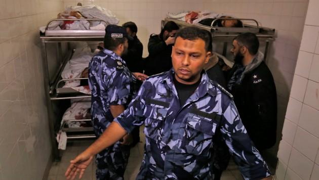Verwundete Palästinenser in einem Spital (Bild: APA/AFP/Said KHATIB)
