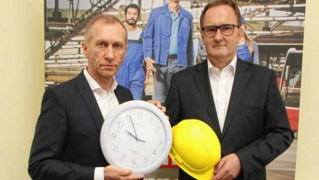 AK-Präsident Josef Pesserl und Arbeitsrechts-Experte Karl Schneeberger: 12-Stunden-Tag, 60-Stunden-Woche, seien so nicht haltbar. (Bild: Jauschowetz Christian)
