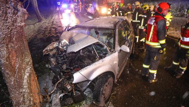 Die 24-jährige Autolenkerin erlitt beim Anprall schwerste Verletzungen.