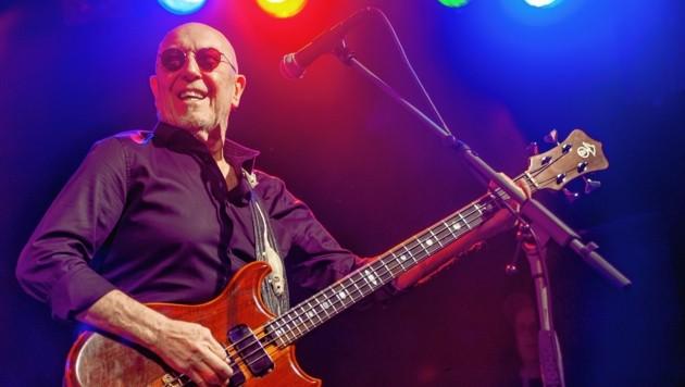 """Seit 50 Jahren ist Pete Agnew mit seiner Band """"Nazareth"""" auf der Bühne. Auch im Wörgler Komma wurde groß gefeiert."""