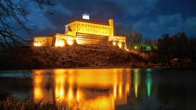 Das Schloss Trautenfels leuchtet am Sonntag ab 19 Uhr orange. Für die Durchführung dieser eindrucksvollen Aktion ist der Club Soroptimist Steirisches Ennstal verantwortlich.