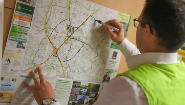 Die Einsatzkräfte planten ihren Suchradius mittels Landkarte