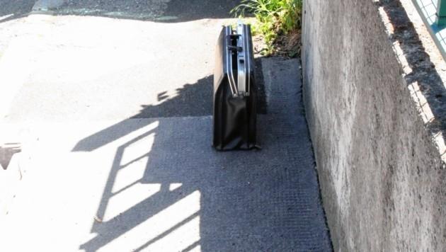 Ein schwarzer Koffer sorgte für Aufregung. (Bild: Andi Schiel (Symbolbild))