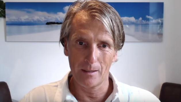 """""""Bewusstseinsforscher und Energetiker"""" Christoph Fasching in seinem YouTube-Channel (Bild: YouTube/Christoph Fasching)"""
