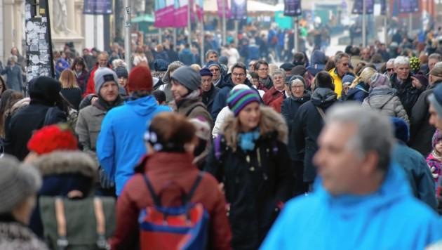 Die Frequenz in der Grazer Innenstadt ist im Advent hoch, vor allem an den Samstagen. (Bild: Juergen Radspieler)