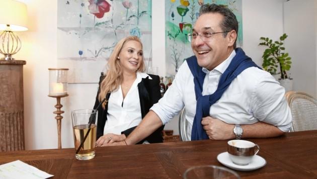"""Philippa und Heinz-Christian Strache in einem Interview mit der """"Krone"""" im Dezember 2018 in ihrer Villa in Klosterneuburg (Bild: Reinhard Holl)"""