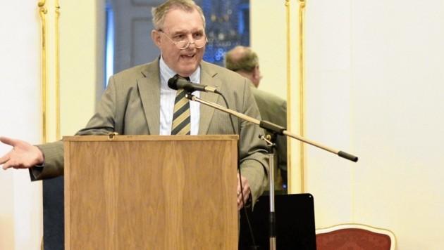 Der Zwischenbericht der Historikerkommission wurde bereits fertiggestellt, kündigte Kommissions-Leiter Wilhelm Braunender an. (Bild: HERBERT NEUBAUER/APA/picturedesk.com)