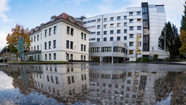 Das Krankenhaus Kirchdorf, eines der Spitäler der Gespag (Bild: FOTOKERSCHI.AT/KERSCHBAUMMAYR)