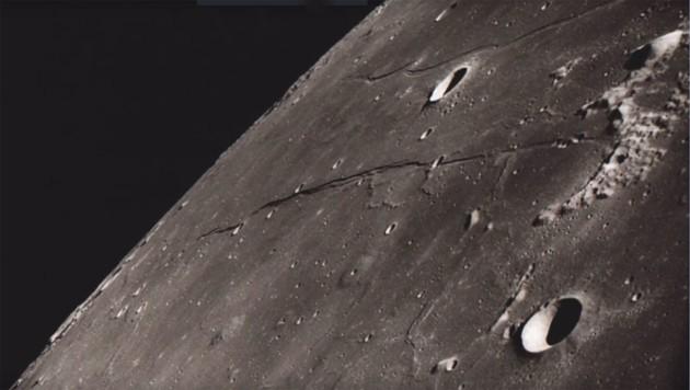 """Die Rückseite des Mondes, fotografiert von der """"Apollo 8""""-Crew (Bild: NASA)"""