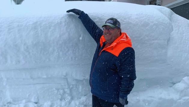 Riesige Schneewände in Hochfilzen (Bild: zoom.tirol)