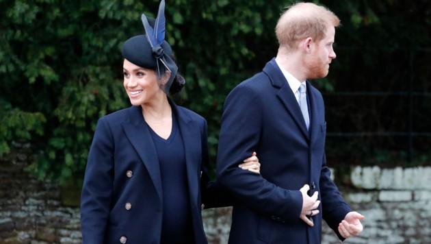 Herzogin Meghan und Prinz Harry zu Weihnachten vor der St. Mary Magdalene Church in Sandringham in Norfolk (Bild: AP)