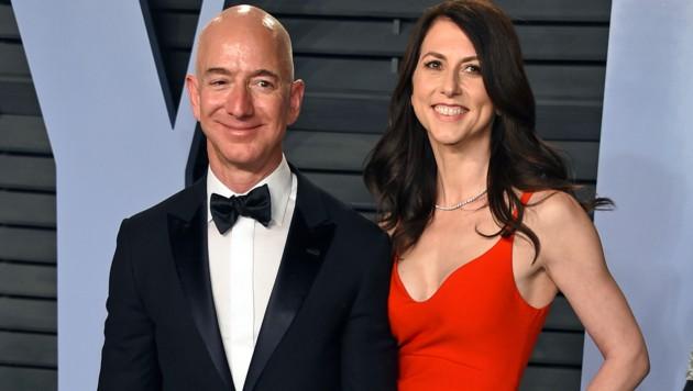 Jeff Bezos mit Ex-Ehefrau MacKenzie (Bild: AP)