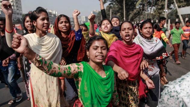 Ihr Protest war erfolgreich: Textilarbeiter in Bangladesch erhalten höhere Löhne. (Bild: APA/AFP/ABDULLAH APU)