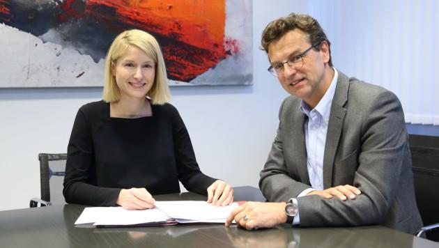 Spitalsmanager Franz Harnoncourt und Gesundheitslandesrätin Christine Haberlander (ÖVP) (Bild: Land OÖ-Ehrengruber)