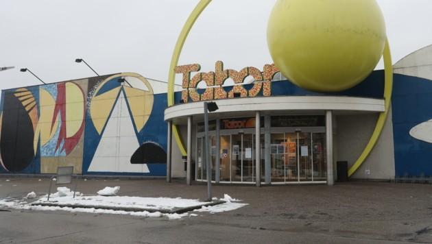 Das Einkaufszentrum Taborland wird nun endgültig geräumt. (Bild: Werner Kerschbaummayr)