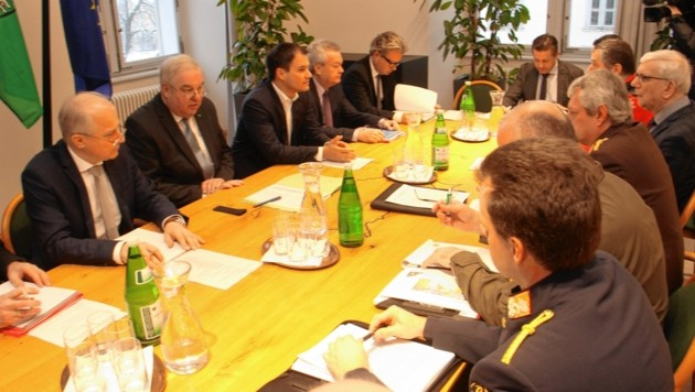 Landeskoordinationsausschuss schneechaos Landesregierung Katastrophen sitzung (Bild: Jauschowetz Christian)