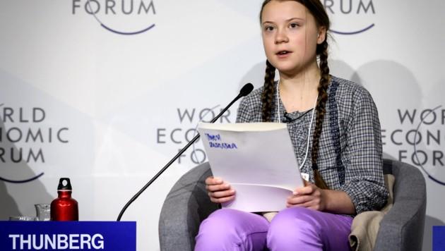 Greta Thunberg (16) bei einer Podiumsdiskussion in Davos (Bild: AFP)