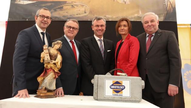 Alexander Walcher, LH Hans Niessl, Minister Norbert Hofer mit Verena Hofer und LH Hermann Schützenhöfer (Bild: Asfinag/Oliver Wolf)