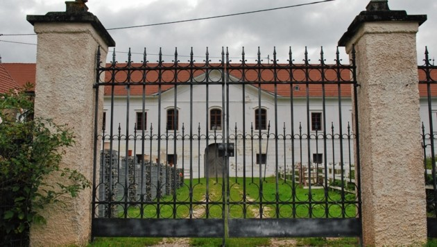 Schloss Mittertrixen, ein Vierkanthof aus dem Jahr 1500, gibt es um 690.000 Euro. (Bild: Clara Milena Steiner)