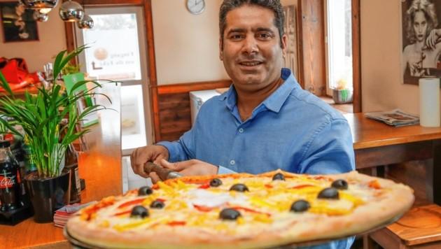 Ahmed Mumtaz: Vom Zulieferer über den Tellerwäscher bis zum Pizzabäcker. (Bild: Markus Tschepp)