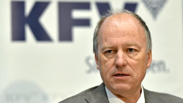 KFV-Direktor Othmar Thann (Bild: APA/HERBERT NEUBAUER)
