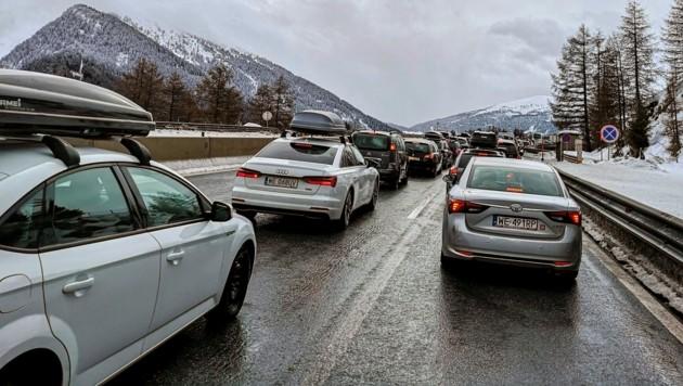 Die Brennerautobahn bei Gries am Brenner (Bild: APA/ZEITUNGSFOTO.AT/DANIEL LIEBL)