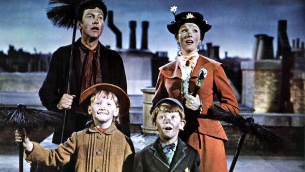 """Dick Van Dyke und Mary Poppins im Disney-Hit """"Mary Poppins"""" aus dem Jahr 1964 (Bild: WALT DISNEY / Mary Evans / picturedesk.com)"""
