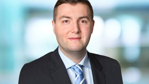FPÖ-Stadtrat Michael Raml (Bild: Parlamentsdirektion / Photo Simonis, stock.adobe.com, krone.at-Grafik)