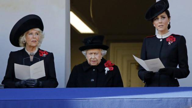 Prinz Charles' Ehefrau Camilla, Queen Elizabeth und Herzogin Kate (Bild: AFP)
