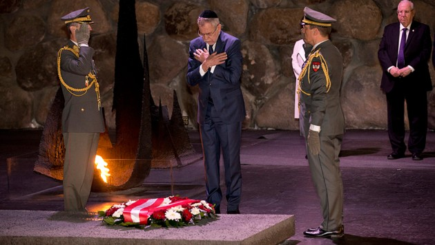 Verbeugung vor den jüdischen Opfern des Nationalsozialismus: Van der Bellen Anfang 2019 in Yad Vashem (Bild: AP)