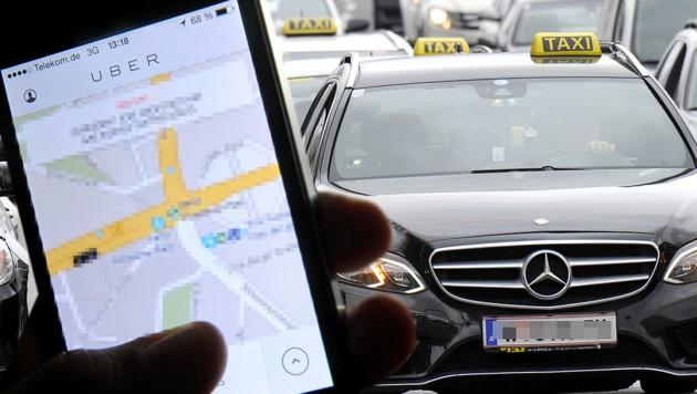 Nach Wien und Salzburg gibt es Uber nun auch in Graz. (Bild: APA/Herbert Pfarrhofer, APA/dpa/Britta Pedersen, krone.at-Grafik)
