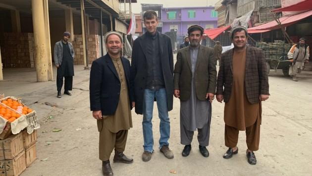 krone.at-Reporter Alex Bischofberger in Kabul (Bild: krone.tv)