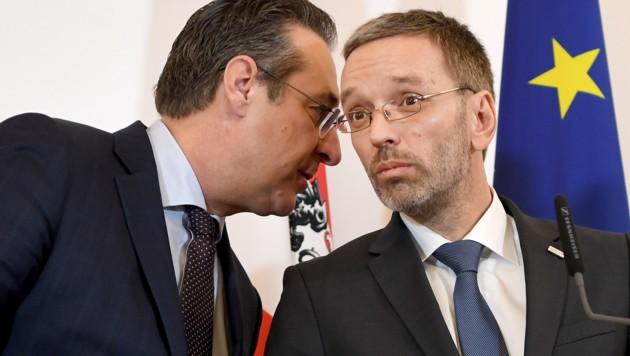 Vizekanzler Heinz-Christian Strache und Innenminister Herbert Kickl (Bild: APA/ROLAND SCHLAGER)
