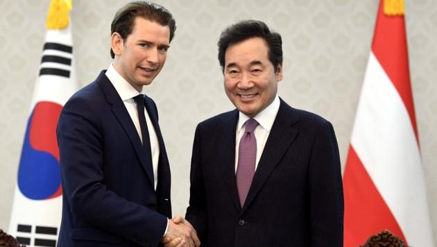 Bundeskanzler Sebastian Kurz und Premierminister Lee Nak Yeon (Bild: APA/HARALD SCHNEIDER)