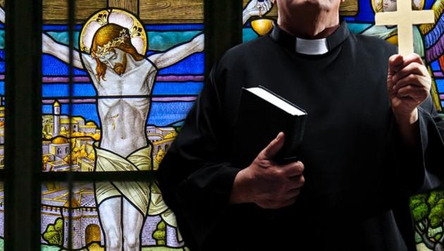 Am Karfreitag starb Jesus am Kreuz. (Bild: stock.adobe.com, krone.at-Grafik)