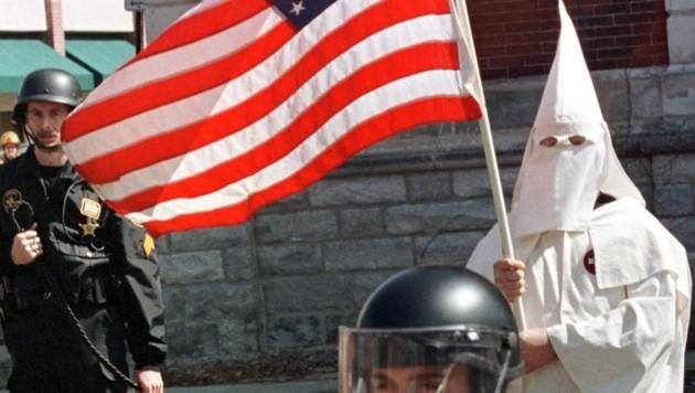 Ein Mitglied des Ku-Klux-Klans (Bild: AFP)