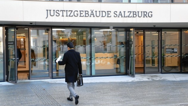 Berufungsverhandlung gegen Dominik S. am Landesgericht Salzburg Er hat eine Feuerwehrfrau geschlagen Foto: Franz Neumayr 18.12.2018 (Bild: www.neumayr.cc)