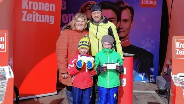 Andrea und Josef Resch mit deren Söhnen Elias und Marcel aus St. Johann in Tirol (Bild: Kronen Zeitung)