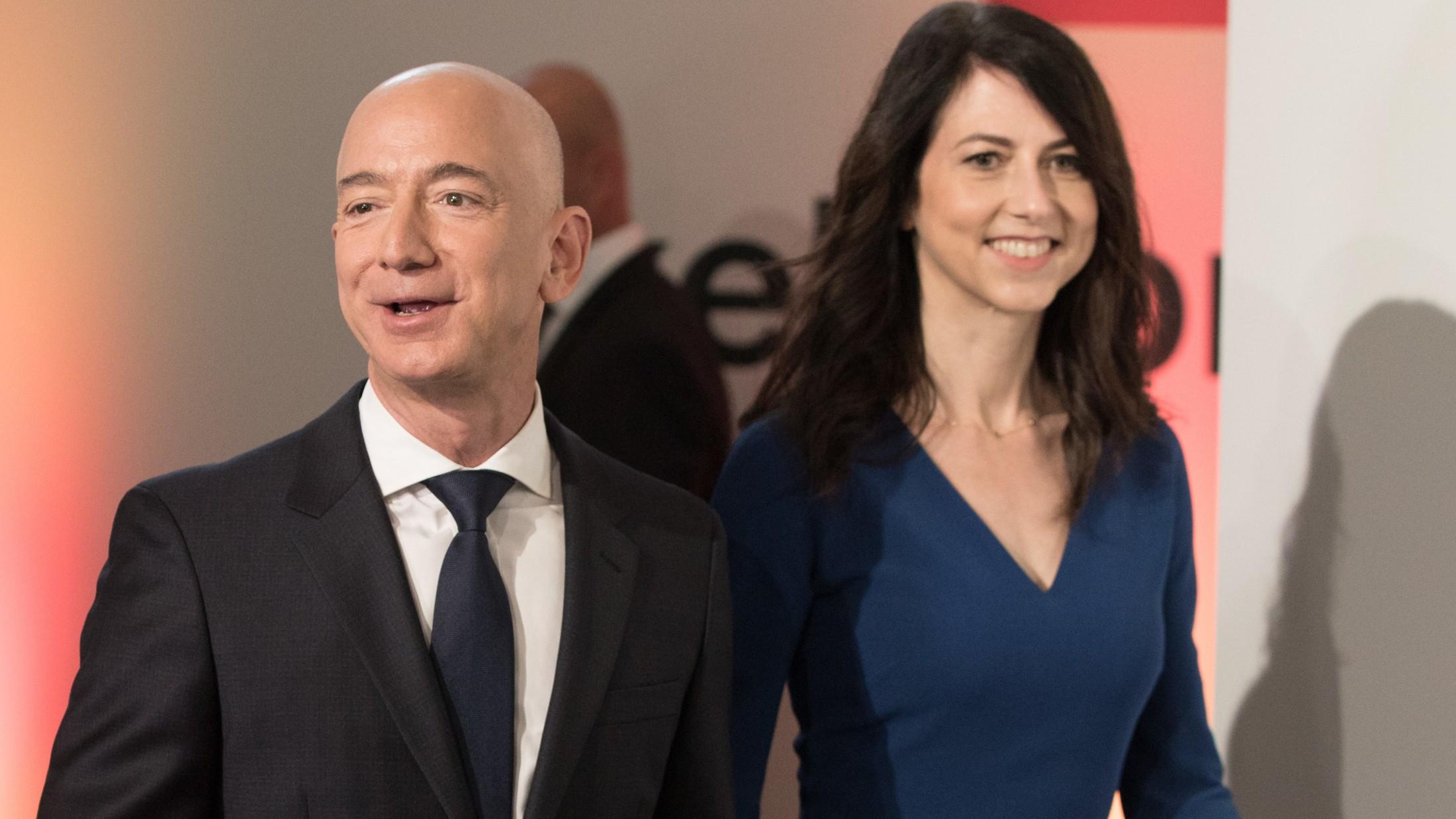 MacKenzie Bezos  nackt