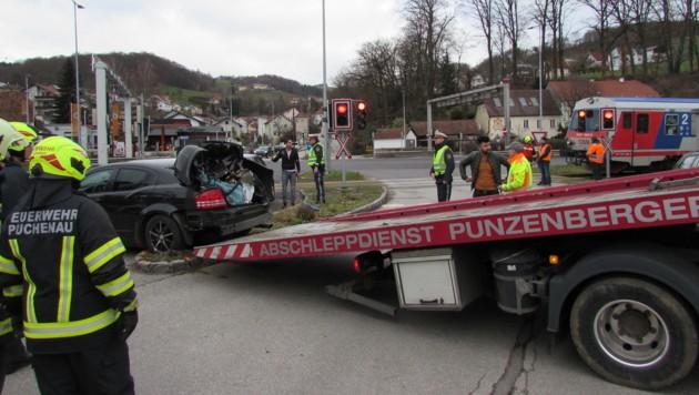 Das Unfallauto wurde vor allem im hinteren Bereich schwer beschädigt (Bild: Jürgen Pachner)