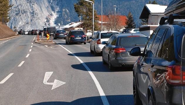 Auch am vergangenen Wochenende ging auf der Straße bei Nassereith/See-Eck nichts mehr. (Bild: Daum Hubert)